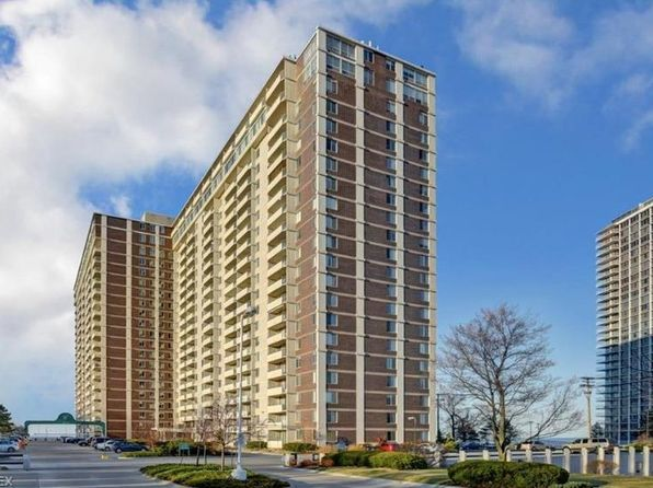 2 bed 1 bath Condo at 12900 Lake Ave 710 Lakewood, OH, 44107 is for sale at 115k - 1 of 22