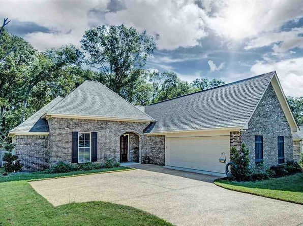 3 bed 2 bath Single Family at 125 Oak Meadow Dr Clinton, MS, 39056 is for sale at 220k - 1 of 23