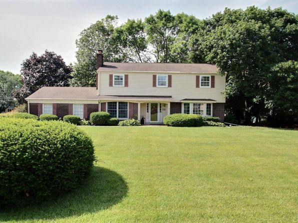 4 bed 3 bath Single Family at 17945 Lincrest Dr Brookfield, WI, 53045 is for sale at 329k - 1 of 25