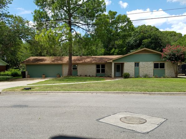 3 bed 2 bath Single Family at 803 Campbell St Lockhart, TX, 78644 is for sale at 259k - 1 of 5