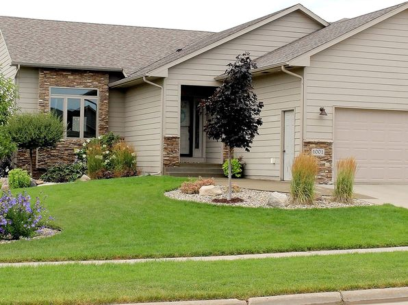 5 bed 3 bath Single Family at 1001 W Glen Eagle Cir Sioux Falls, SD, 57108 is for sale at 368k - 1 of 20