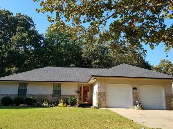 3 bed 2 bath Single Family at 1111 Dogwood Dr Grove, OK, 74344 is for sale at 140k - 1 of 40
