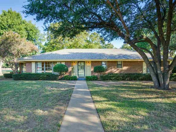 3 bed 2 bath Single Family at 4416 Montego Dr Wichita Falls, TX, 76308 is for sale at 225k - 1 of 27
