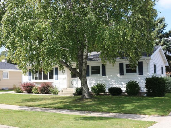3 bed 2 bath Single Family at 78 S Sallie Ave Friesland, WI, 53935 is for sale at 135k - 1 of 20