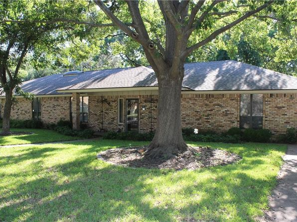 3 bed 2 bath Single Family at 940 Mockingbird St Stephenville, TX, 76401 is for sale at 240k - 1 of 16