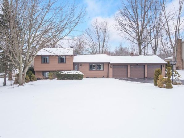 3 bed 3 bath Single Family at 1834 Cherry Ln Hubbard, OH, 44425 is for sale at 160k - 1 of 29