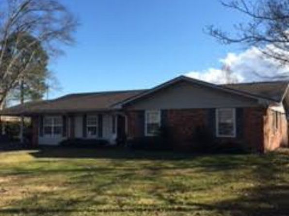 3 bed 2 bath Single Family at 104 Chewalla Cir Eufaula, AL, 36027 is for sale at 149k - 1 of 26