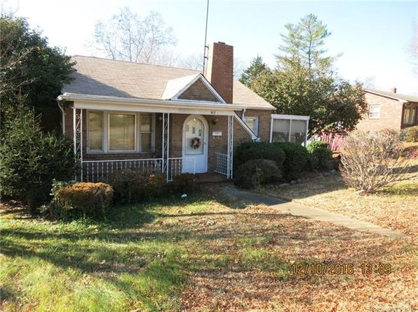 """2 bed 2 bath Single Family at 415 E """"D"""" St Newton, NC, 28658 is for sale at 50k - 1 of 16"""