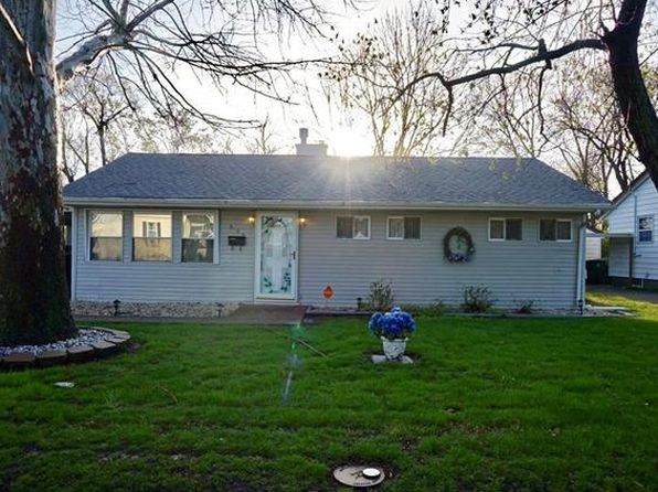 3 bed 1 bath Single Family at 800 Royal Heights Rd Belleville, IL, 62226 is for sale at 65k - 1 of 24