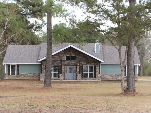 3 bed 2 bath Single Family at 22 Gregory Ln Huntsville, TX, 77340 is for sale at 315k - 1 of 17