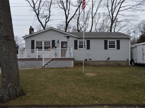 3 bed 2 bath Single Family at Undisclosed Address Rocky Point, NY, 11778 is for sale at 300k - 1 of 12