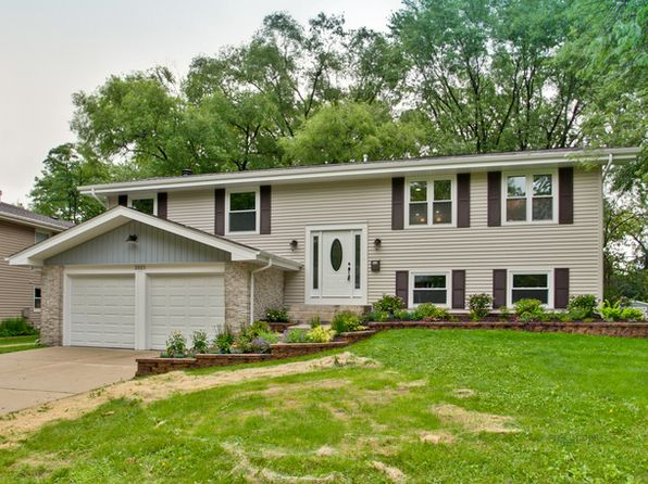 4 bed 2 bath Single Family at 2021 E Parkview Cir Hoffman Estates, IL, 60169 is for sale at 335k - 1 of 33