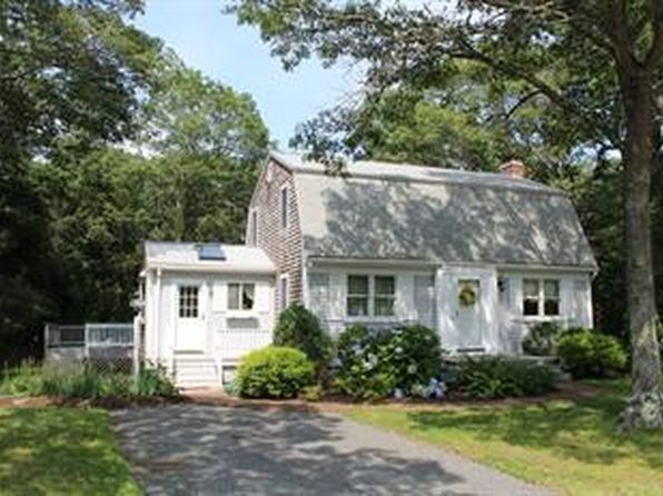 3 bed 2 bath Single Family at 16 Somerset Rd Mashpee, MA, 02649 is for sale at 345k - 1 of 11