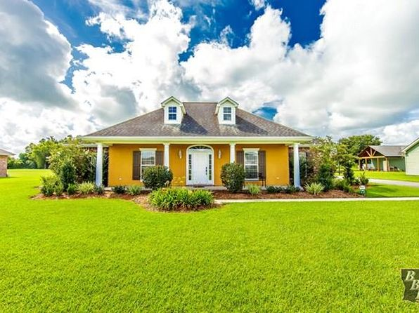 3 bed 3 bath Single Family at 226 Cascade Dr Thibodaux, LA, 70301 is for sale at 330k - 1 of 12