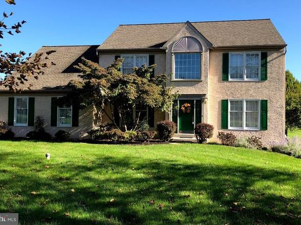 4 bed 3 bath Single Family at 801 Graystone Ln Downingtown, PA, 19335 is for sale at 430k - 1 of 24