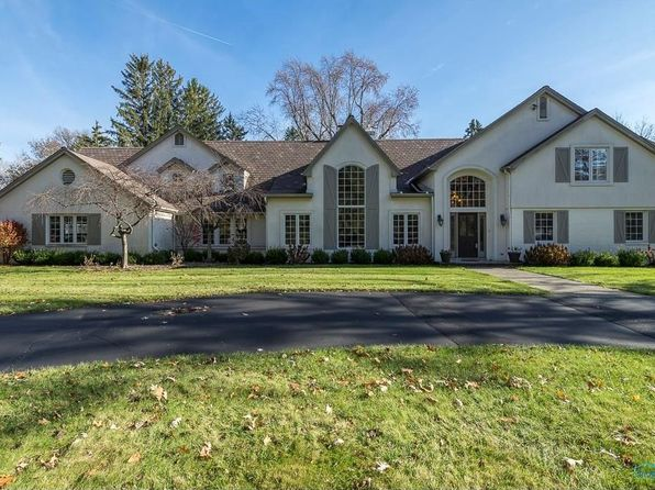 5 bed 5 bath Single Family at 2712 Westchester Rd Ottawa Hills, OH, 43615 is for sale at 799k - 1 of 36