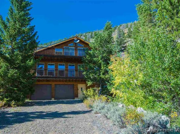 4 bed 4 bath Single Family at 33 BROKEN BRIDGE RD CENTENNIAL, WY, 82055 is for sale at 449k - 1 of 36