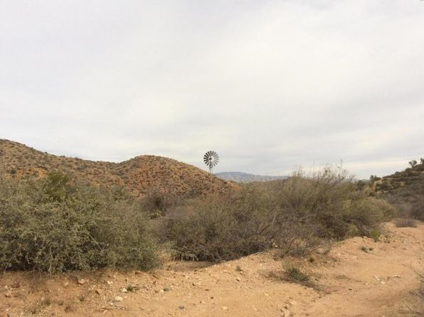 null bed null bath Vacant Land at N N East Rd Wickenburg, AZ, 85390 is for sale at 325k - 1 of 7