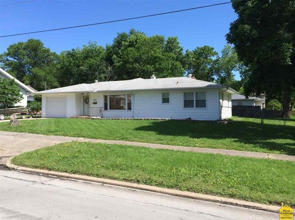2 bed 2 bath Single Family at 523 E Jefferson St Clinton, MO, 64735 is for sale at 89k - 1 of 27