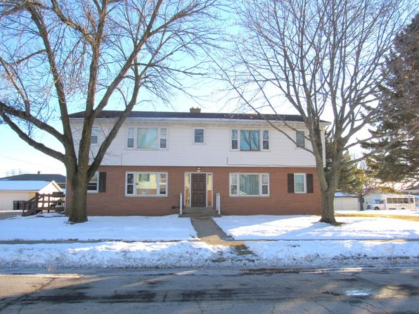 8 bed 4 bath Multi Family at 113 Grand Ave Brillion, WI, 54110 is for sale at 195k - 1 of 3