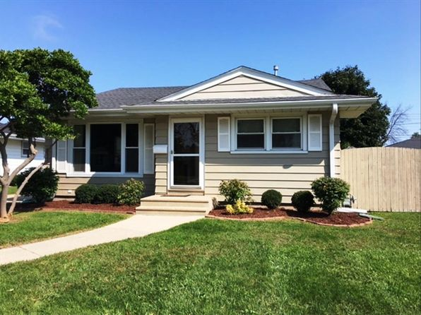 3 bed 1 bath Single Family at 2124 24th St Kenosha, WI, 53140 is for sale at 150k - 1 of 13