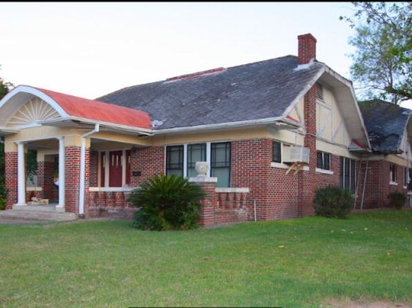 4 bed 2 bath Single Family at 421 E Main St Kenedy, TX, 78119 is for sale at 119k - google static map