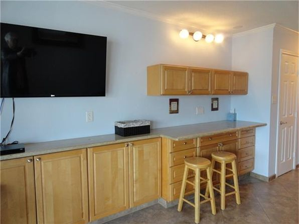1 bed 1 bath Townhouse at 6102 Seawall Blvd Galveston, TX, 77551 is for sale at 87k - 1 of 26