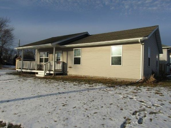 3 bed 2 bath Single Family at 519 Thompson St Portage, WI, 53901 is for sale at 120k - 1 of 23