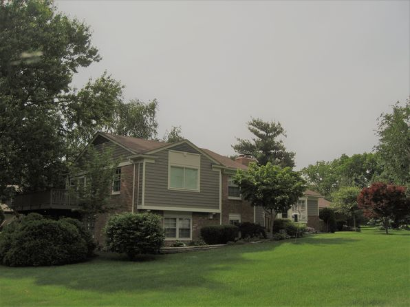 4 bed 3 bath Single Family at 1280 Rugby Cir Bloomfield Hills, MI, 48302 is for sale at 348k - 1 of 26
