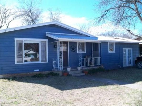 3 bed 2 bath Single Family at 501 Needham St Coleman, TX, 76834 is for sale at 50k - 1 of 9