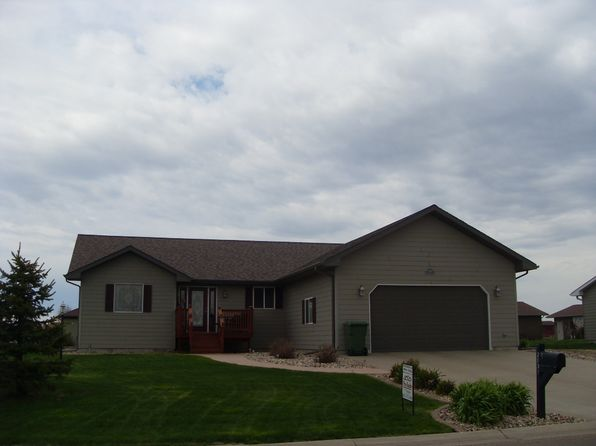 3 bed 2 bath Single Family at 2631 Prairie Eagle Cir E Huron, SD, 57350 is for sale at 293k - 1 of 29