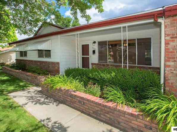 3 bed 2 bath Single Family at 850 Pennsylvania Dr Reno, NV, 89503 is for sale at 300k - 1 of 25