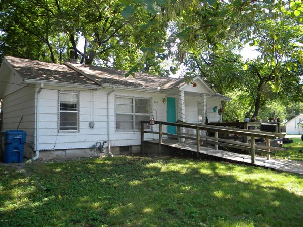 2 bed 2 bath Single Family at 907 Poplar St Carthage, MO, 64836 is for sale at 55k - 1 of 18