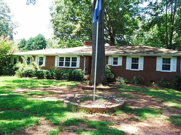 4 bed 3 bath Single Family at 317 Fairlane Dr Spartanburg, SC, 29307 is for sale at 155k - 1 of 17