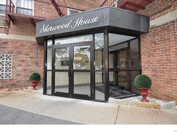 1 bed 1 bath Cooperative at 20 Secor Pl Yonkers, NY, 10704 is for sale at 105k - 1 of 12