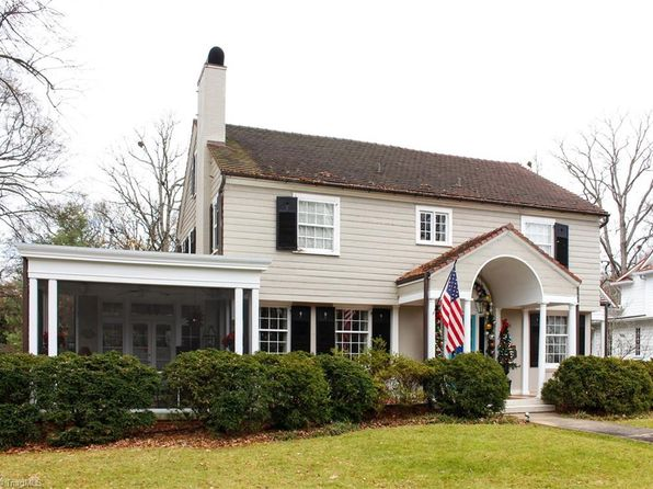 5 bed 4 bath Single Family at 402 N Stratford Rd Winston Salem, NC, 27104 is for sale at 795k - google static map