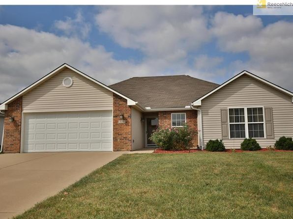 3 bed 2 bath Single Family at 700 SW Meadowood Dr Grain Valley, MO, 64029 is for sale at 160k - 1 of 12
