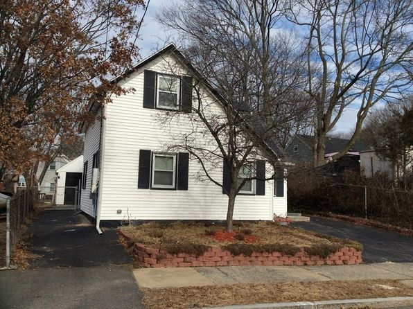 2 bed 1 bath Condo at 51 Pendexter St Lynn, MA, 01904 is for sale at 340k - 1 of 25