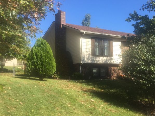4 bed 3 bath Single Family at 322 McDowell Dr Winchester, KY, 40391 is for sale at 175k - 1 of 13
