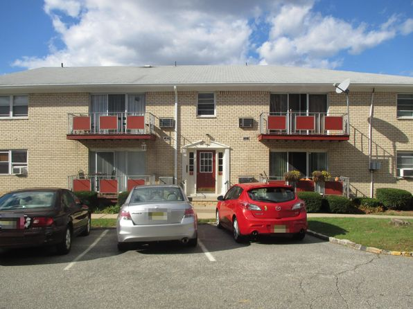 1 bed 1 bath Townhouse at 384 Hoover Ave Bloomfield, NJ, 07003 is for sale at 140k - 1 of 16