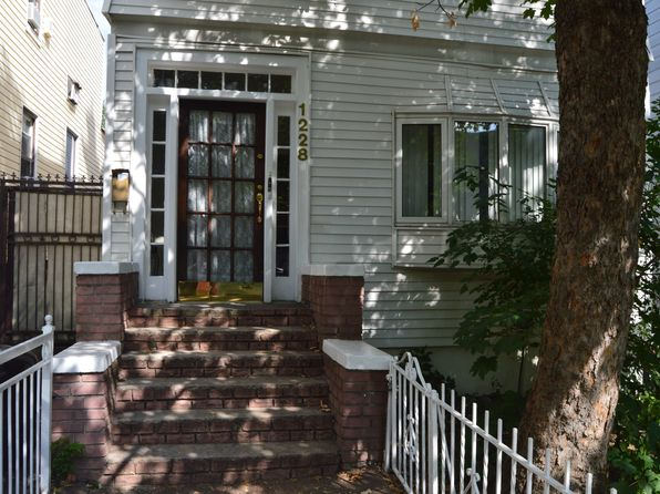 6 bed 3 bath Multi Family at 1228 Taylor Ave Bronx, NY, 10472 is for sale at 649k - 1 of 11