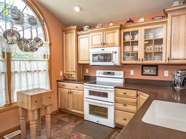 4 bed 3 bath Condo at 320 12th Ave SW Mount Vernon, IA, 52314 is for sale at 190k - 1 of 29