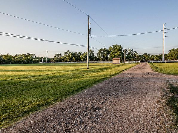 4 bed 3 bath Single Family at 5900 County Road 166 Alvin, TX, 77511 is for sale at 316k - 1 of 32