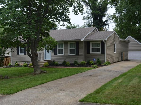 3 bed 2 bath Single Family at 12010 Meadow Ln Middletown, KY, 40243 is for sale at 190k - 1 of 39
