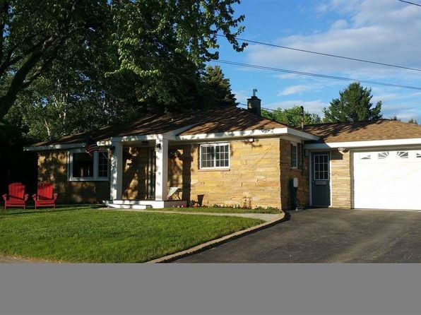 3 bed 1 bath Single Family at 807 Tamarack St Manistee, MI, 49660 is for sale at 130k - 1 of 27