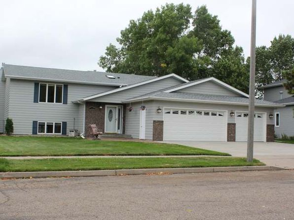 4 bed 3 bath Single Family at 1937 Houston Dr Bismarck, ND, 58504 is for sale at 300k - 1 of 18