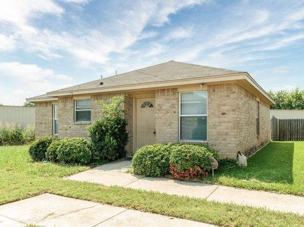 10 bed 8 bath Multi Family at 125 Cambridge Dr Saginaw, TX, 76179 is for sale at 390k - 1 of 36