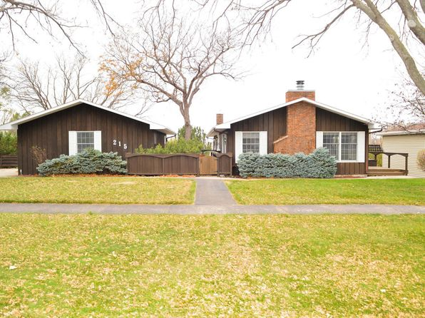 4 bed 3 bath Single Family at 215 E Broadway Pierre, SD, 57501 is for sale at 335k - 1 of 27