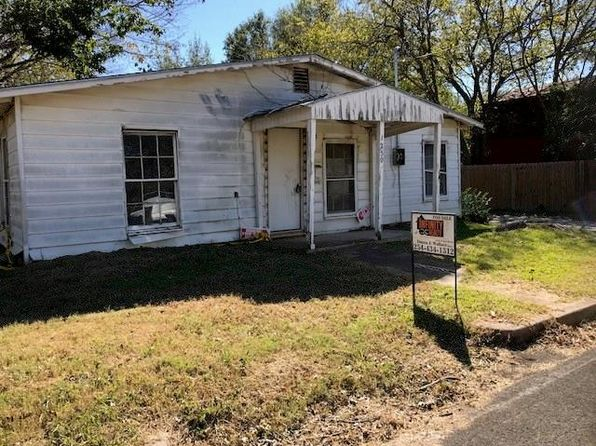 2 bed 1 bath Single Family at 1250 W Elm St Stephenville, TX, 76401 is for sale at 29k - 1 of 9