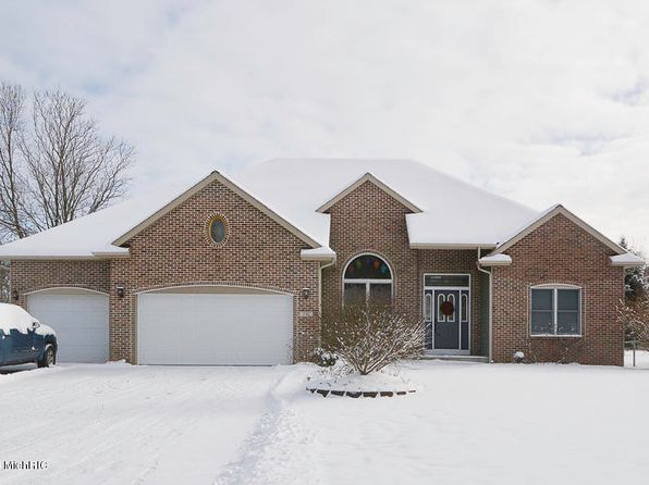 3 bed 3 bath Single Family at 531 Foxmoor Dr Plainwell, MI, 49080 is for sale at 275k - 1 of 24